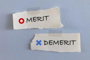 メリットとデメリットを表した画像